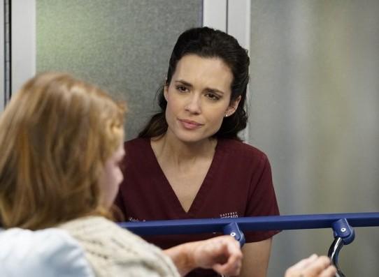 "NUP 186386 0453 595 Spoiler%2BTV%2BTransparent - Chicago Med (S04E20) ""More Harm Than Good"" Episode Preview"