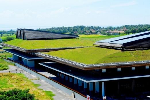 Bandara Blimbingsari berkonsep hijau.