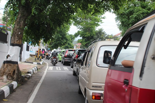Info Titik Macet Pusat Kota Kuningan H-1 Lebaran (4)