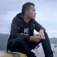 Lirik dan Terjemahan Lagu Andra Respati - Janji Cinto Suci Feat Putri Livana