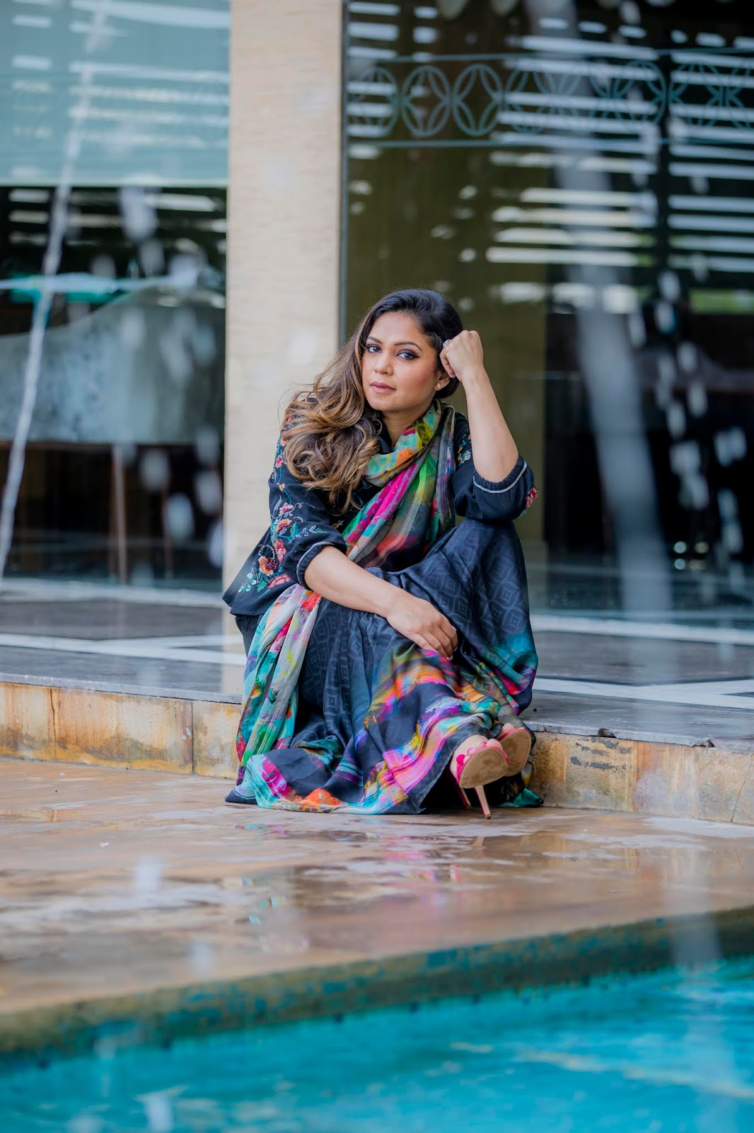 where to stay in jaipur and what to eat, Hilton Jaipur, travel blogger, style, sari style, satya paul style, coat over sari, coat with sari outfit, fusion look, long maxi eyelet dress , myriad musings