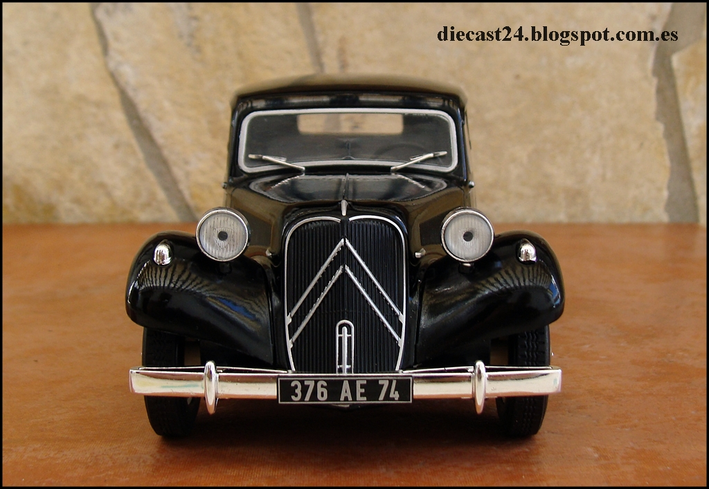1 24 miniaturas citroen traction 11 b normale auto vintage de luxe collection hachette 1 24. Black Bedroom Furniture Sets. Home Design Ideas