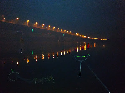 Рыбалка ночью в омске на фидер