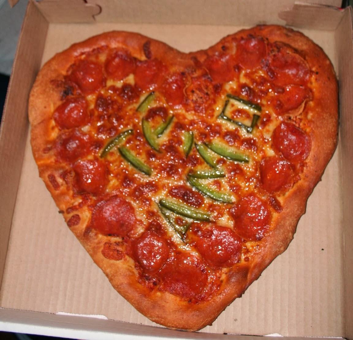 pizza con forma de corazon para san valentin