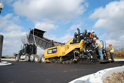 Caterpillar reforça linha de pavimentação com soluções completas e eficientes