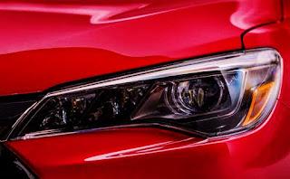 2017 Toyota Camry XSE Specs LED