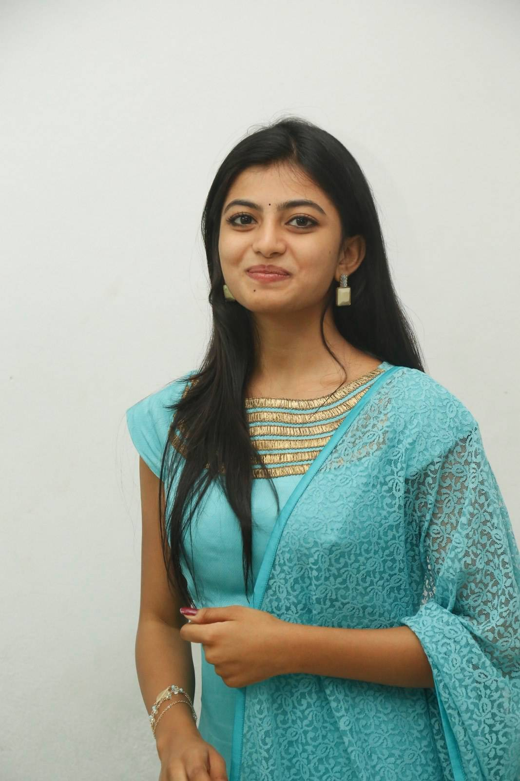 Actress Anandhi Photos At Movie Trailer Launch In Green Dress