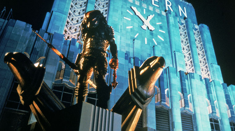 Kevin Peter Hall als Predator in PREDATOR 2 (1990). Quelle: Fox Blu-ray Screenshot