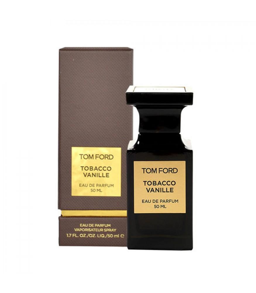 Un Barbat Bun Poarta Aroma Unui Parfum De Calitate Care Ii Sporeste