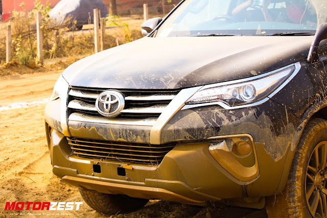 Toyota Fortuner 2016 Off-road