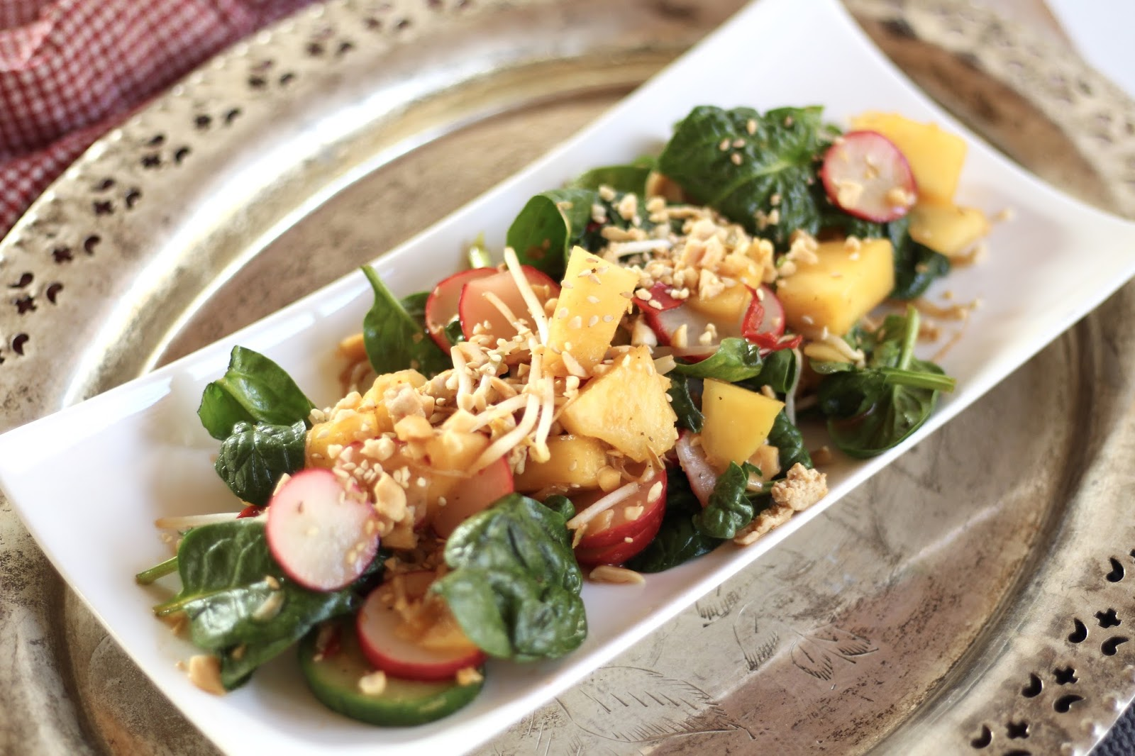 Menueplan Clean Eating Style - Vollwertig kochen und fit in den Frühling: Mango-Tofu-Bowl