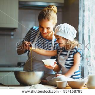 Si Kecil Membantu Pekerjaan Ummi