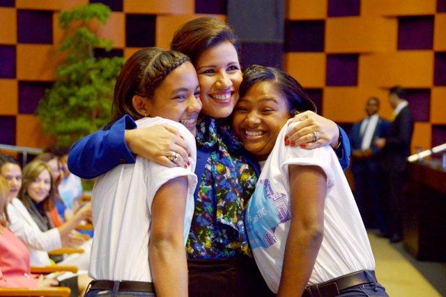 Margarita Cedeño promueve empoderamiento de las niñas en la tecnología