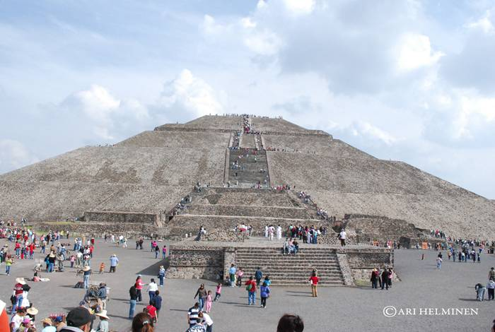 Pyramid of the Sun in Teotihuacan — Mexico | RiTeMaiL