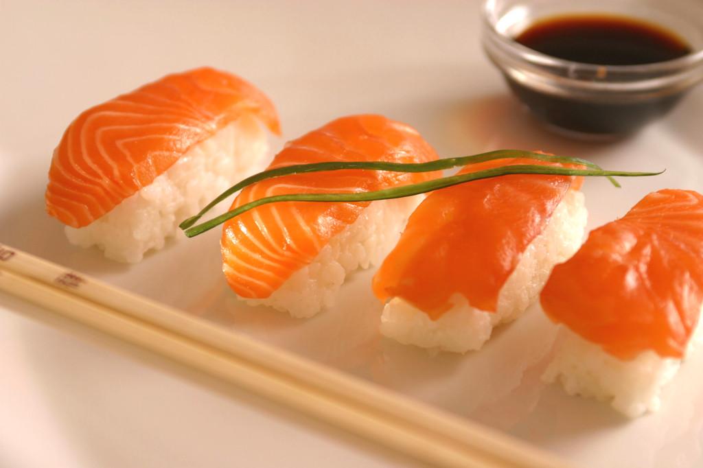 https://3.bp.blogspot.com/-Nv-88mQeSBE/WxZPltnllfI/AAAAAAAABR4/s_vV5JLUtJU98XfNl-b573J4bqjEyc60wCLcBGAs/s1600/sushi_nigiri_saus-1024x682.jpg