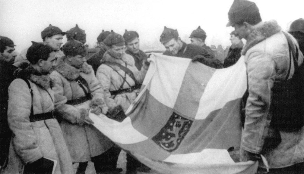 [Image: Red_Army_Finnish_flag_Winter_War.png]
