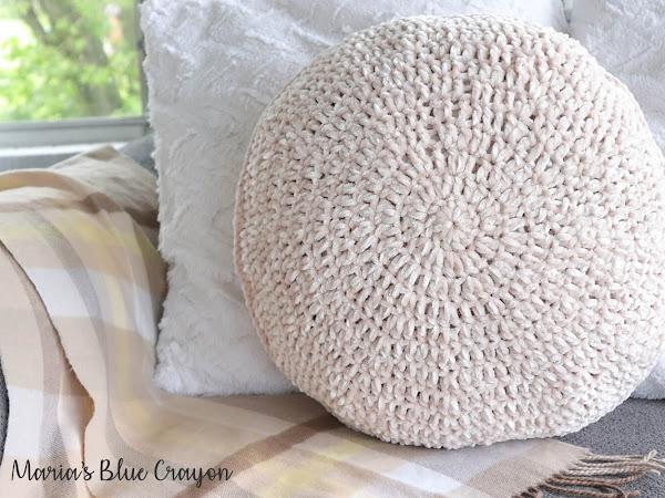 Velvet Circle Pillow - Free Crochet Pattern