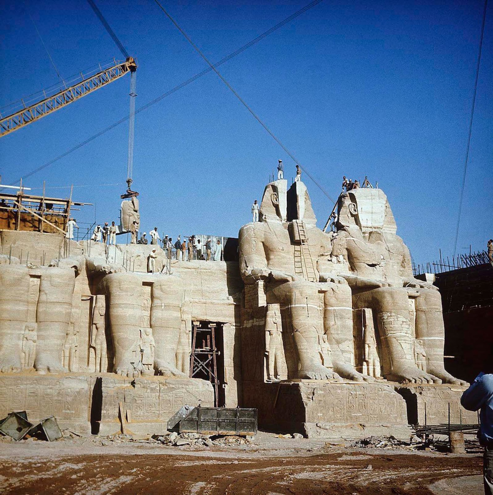 Between 1964 and 1968, the entire site was carefully cut into large blocks (up to 30 tons, averaging 20 tons), dismantled, lifted and reassembled in a new location.