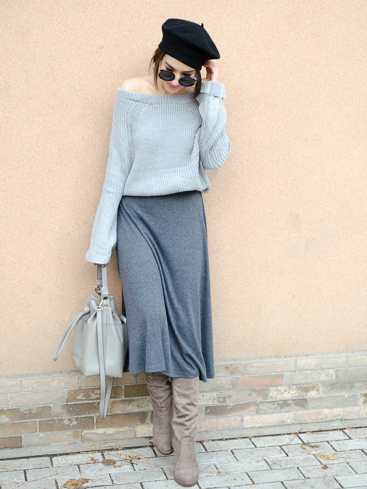 fahion blogger diyorasnotes beret paris style grey monochrome outfit red coat