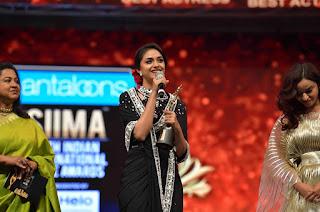 Keerthy Suresh Receiving Best Actress Award for Mahanati at SIIMA Awards 2019 6