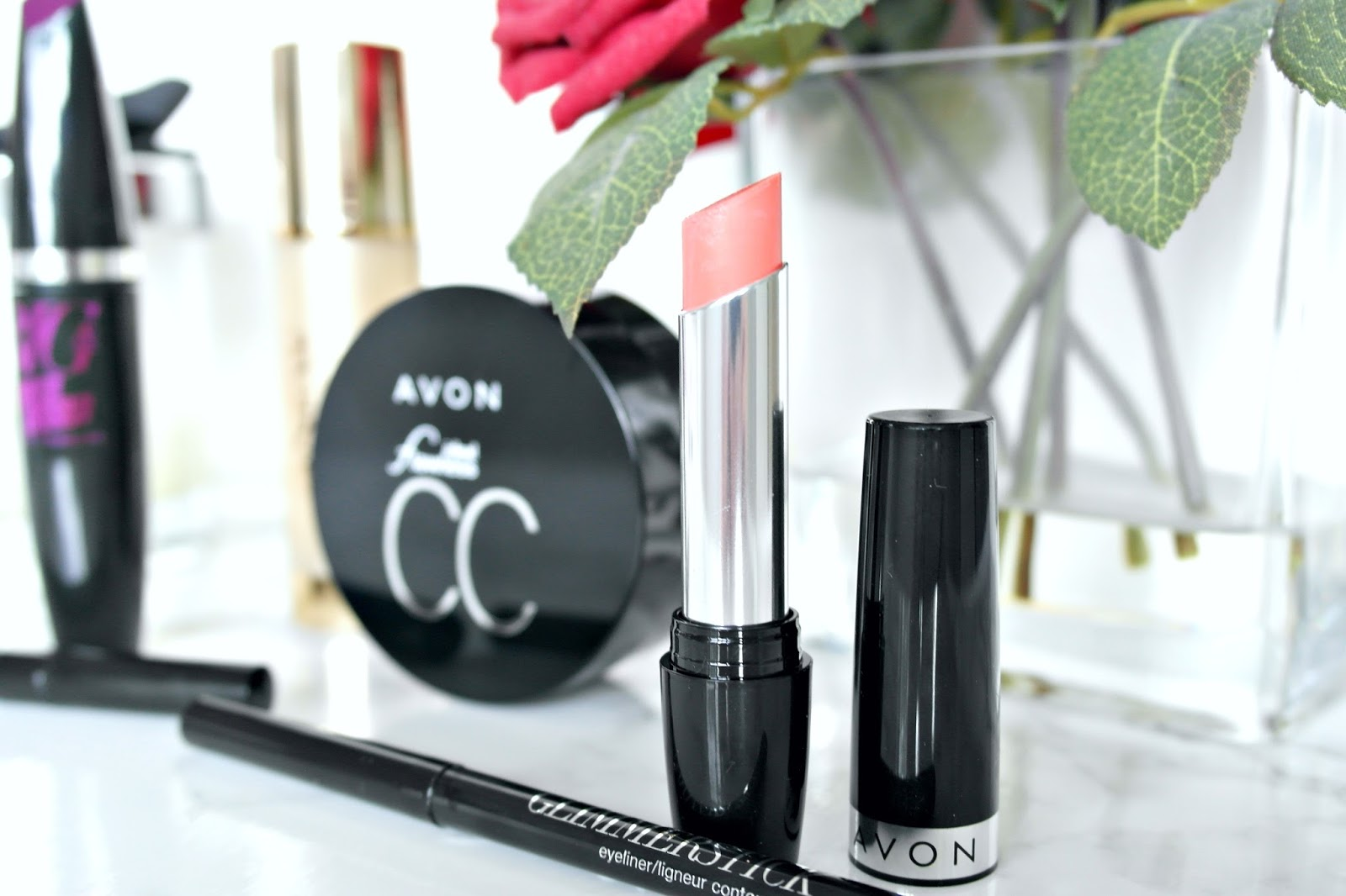 Avon makeup review, beauty blogger