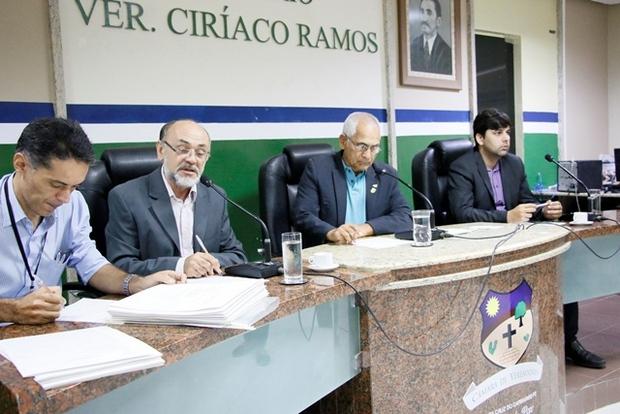 Casa José Vieira de Araújo analisa mais de 20 projetos de Lei em mais uma reunião ordinária
