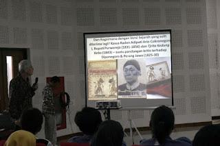 """Diskusi Buku """"Hikayat, Babad, dan Syair bagi Sejarah Purworejo dan Madiun Abad ke-19"""""""