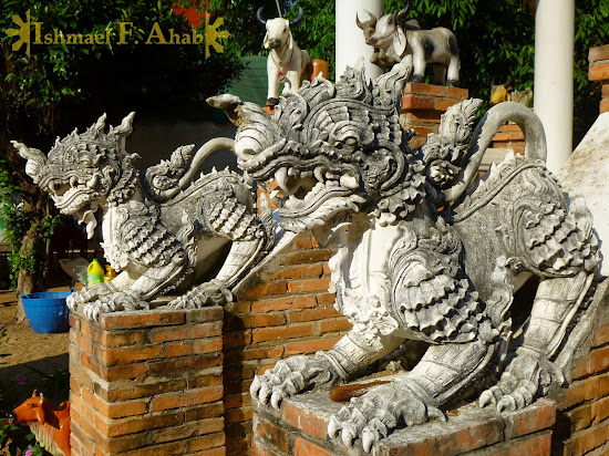 Dragon statues in Lampang, Thailand