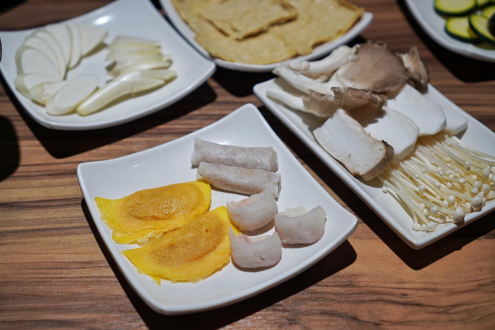 台南東區美食【就愛這鍋 麻辣鍋】就愛餃拼盤、就愛菇拼排