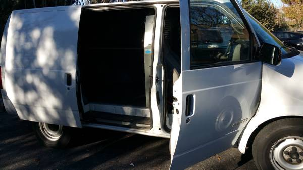 Daily Turismo: Big Brother Is Watching You: 2000 GMC Safari Van