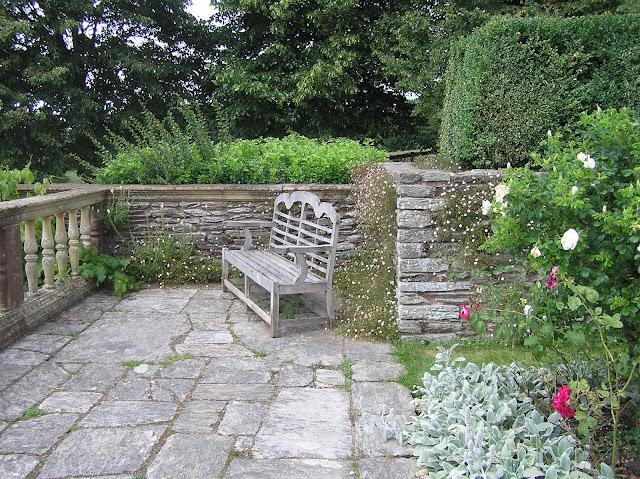 murek z kamienia, angielska ławka