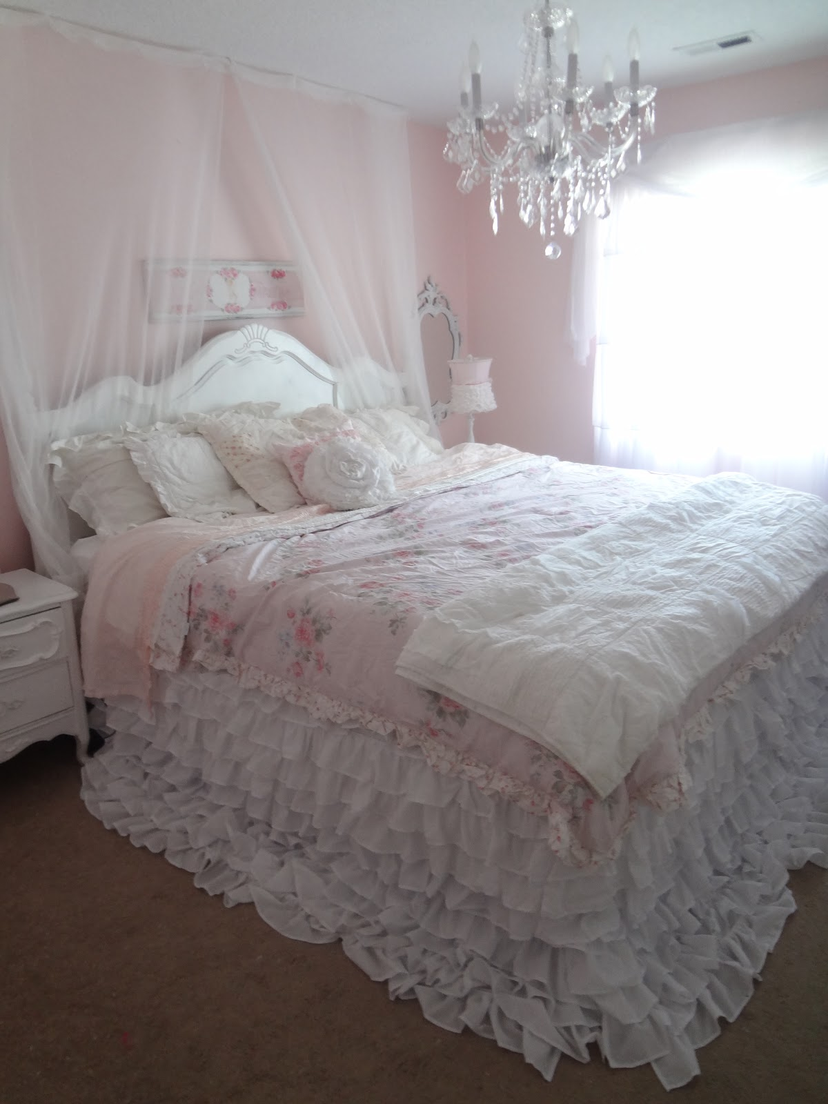 Shabby Chic Beach Cottage Tour: Shabby Chic: My New Ruffly Bedding