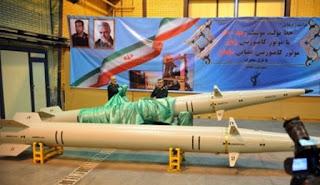 """الحرس الثوري يكشف عن صاروخ رعد """"500"""" السريع"""