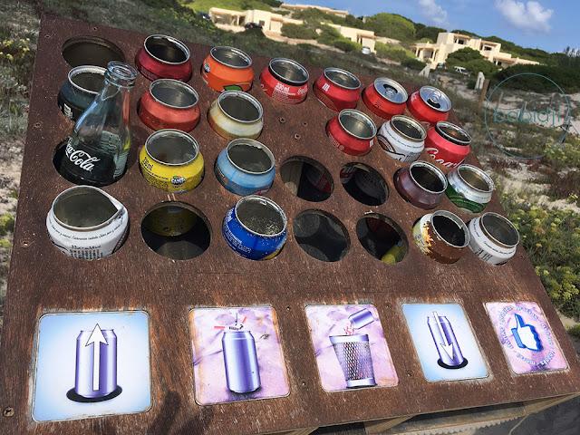 recyclage de canettes vides en cendrier sur la plage es Arenals à Formentera