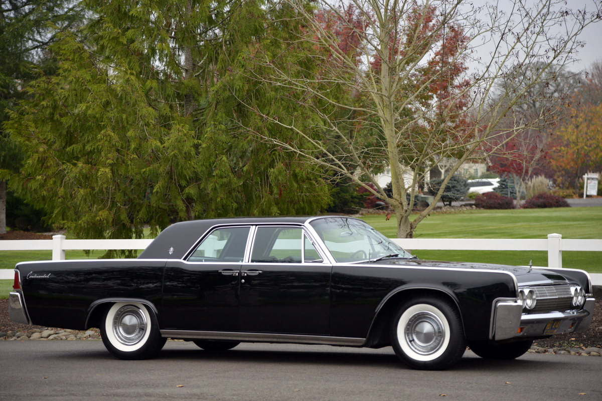 1963-LincolnContinental-04.jpg