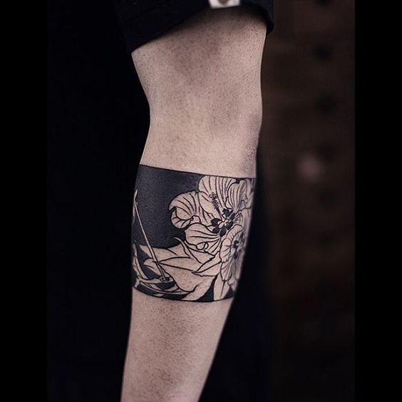 Braçadeira de tatuagem