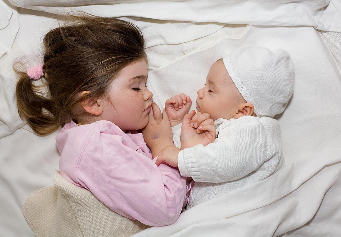 o której kłaść dziecko spać