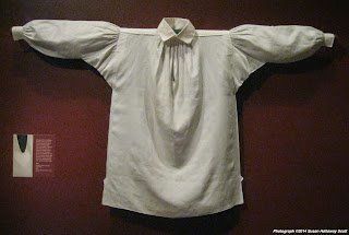 Billedresultat for 18th century linen shirt