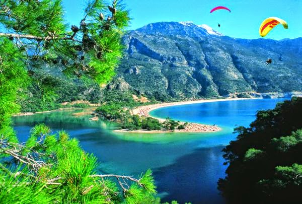 Marmaris Environmentalists Association (MCD), determined to start ecological degradation due to pollution acted to save the Bay of Marmaris.