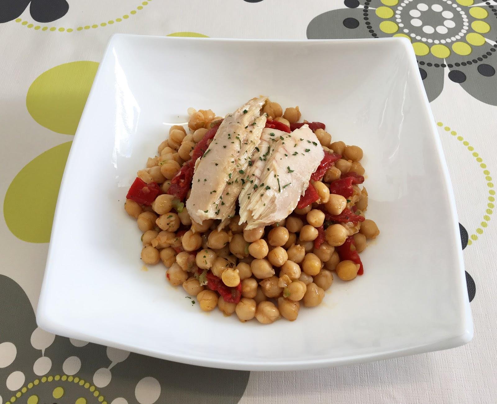 Recetas para cocinillas Ensalada de garbanzos con ventresca de bonito