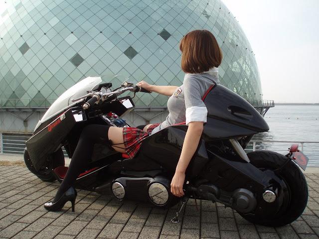 Kaneda Bike Girl