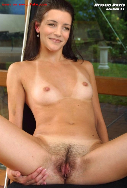 Girl with cute vagina nude