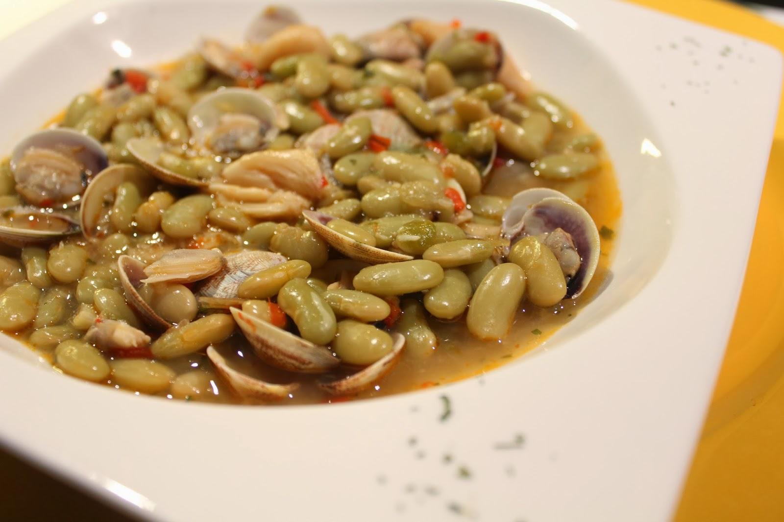 Mi puchero alubias verdinas con almejas y calamar o for Como cocinar almejas