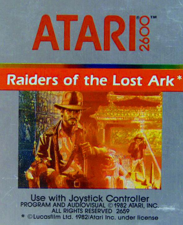 Imagen con el cartucho de En busca del arca perdida, videojuego para Atari 2600 en 1982