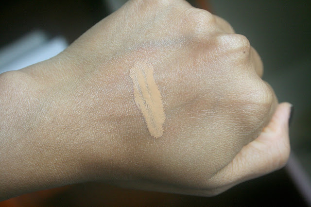 Dior Diorskin Nude Air Serum Foundation 40 Honey Beige Review, Photos, Swatches