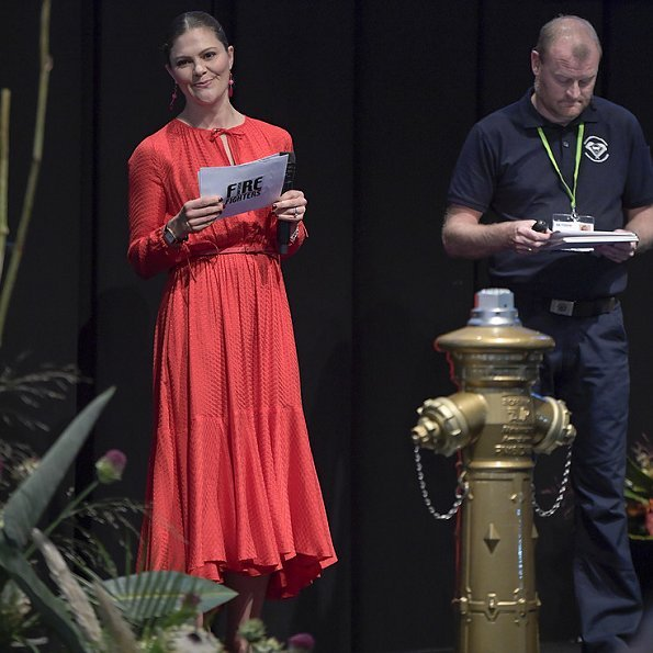 Crown Princess Victoria wore & Other Stories midi tie neck dress and Rizzo Stockholm pumps, she carried Rizzo Stockholm clutch bag