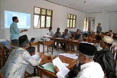 Guru Tak Boleh Jadi Anggota Komite Sekolah