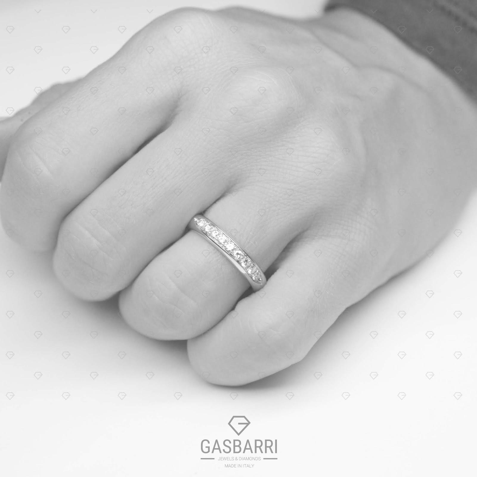 351cef5395 Come detto in precedenza l'Amore non si misura con la grandezza di un  diamante, ma con le pietre di 0.38-0.45 carati non si è mai