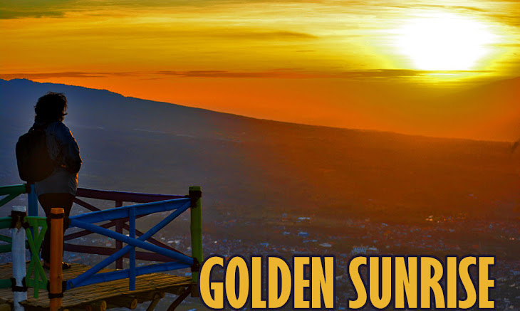 golden sunrise di puncak pandawa