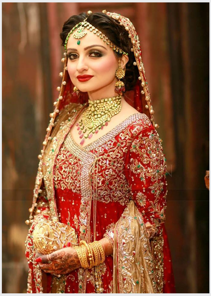 Traditional Red Gold Bridal Dress